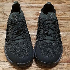 Keen Konnect fit black mesh sneakers 9.5